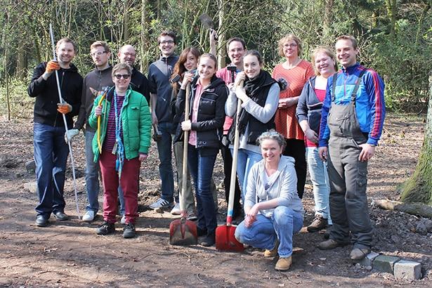 Das Freiwilligen-Team von tatkräftig - Hände für Hamburg