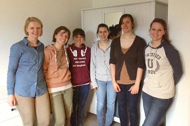Ehrenamtliche Familienhilfe eines Freiwilligenteams von tatkräftig