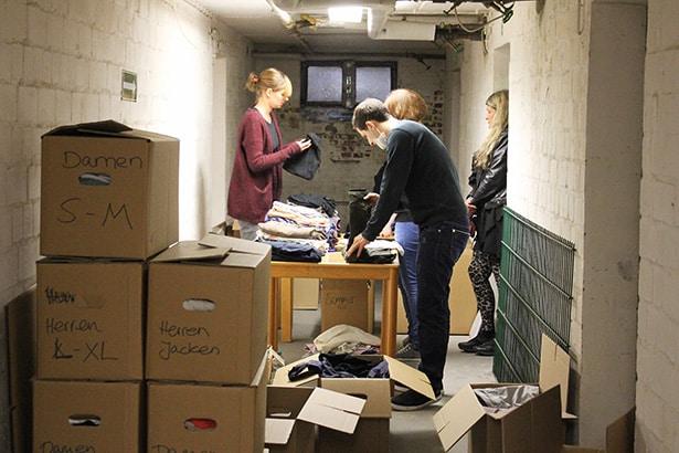Hilfe in der Zentralen Anlaufstelle für Flüchtlinge