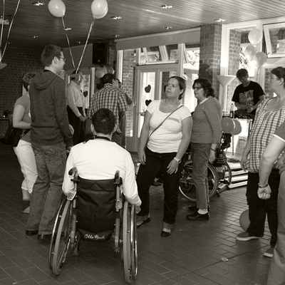 Einmal im Jahr fliegen die Herzen – Flirtparty bei Leben mit Behinderung Hamburg